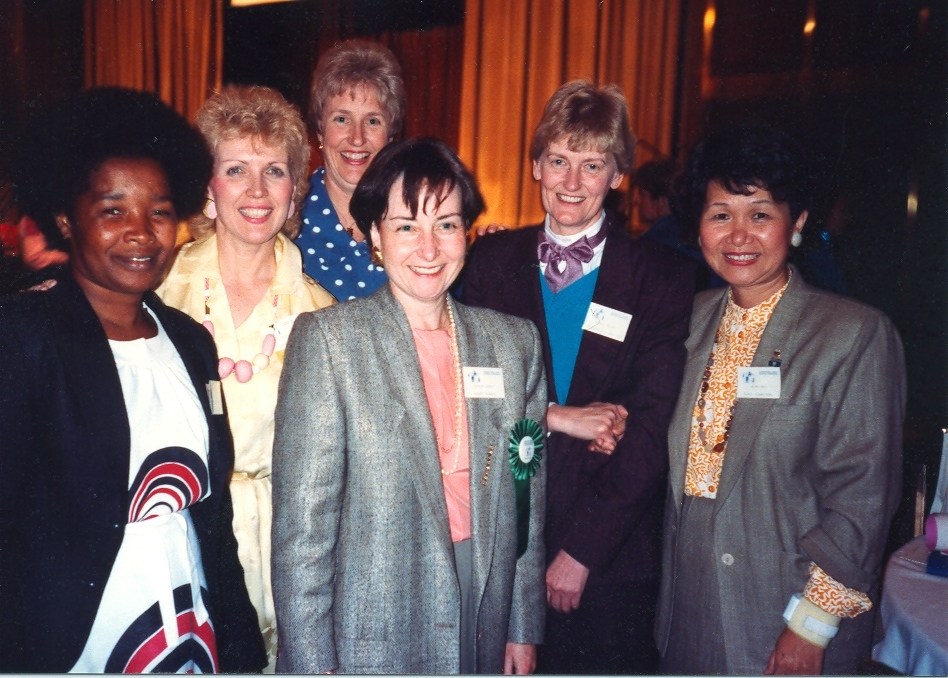 First International Family Nursing Conference Participants with Dr. Lorraine Wright and Dr. Maureen Leahey (1988)